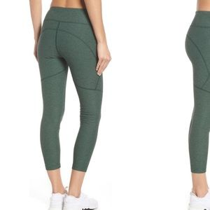 Outdoor voices green warm up crop leggings m